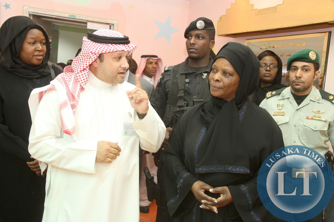 First Lady Esther Lungu listens to King Faisal Specialist Hospital and research Centre Head, Social Services Waleed Bawazeer during a tour of King Faisal Specialist Hospital and Research in Riyadh,Saudi Arabia on Tuesday, October 13,2015 -Picture by THOMAS NSAMA