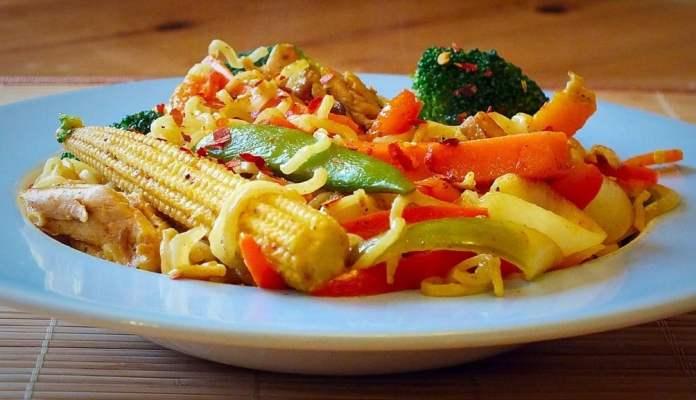 chicken noodle stir fry.jpg 3