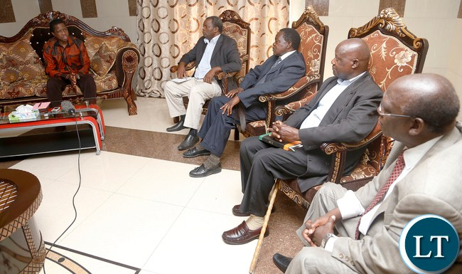 President Edgar Lungu exchange with their Royal Highnesses chiefs Chikankata, Sinazongwe and Mapanza in Choma on Wednesday before taking a flight to meet with Chief Macha,picture by Eddie Mwanaleza/statehouse 20-1-2016.