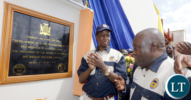 President Edgar Lungu Unveiling of the Plaque at Freedom  NAPSA Kitwe Mall-Picture  by Eddie Mwanaleza/Statehouse.