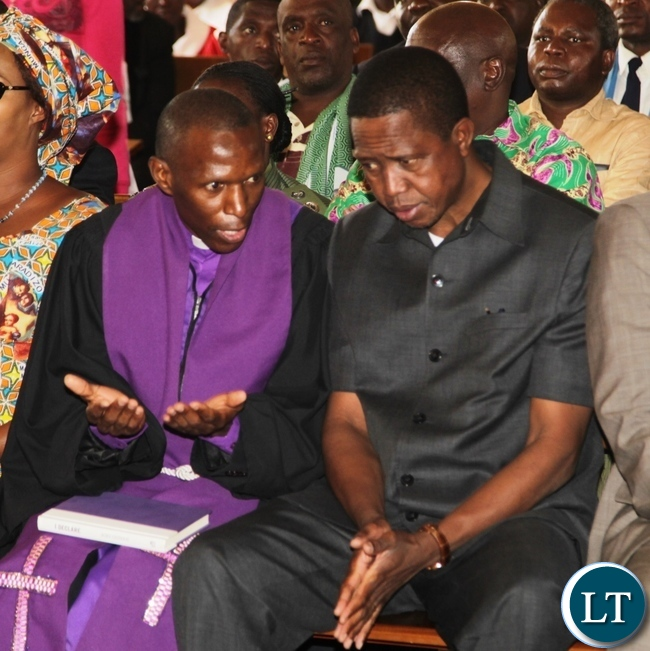 Kabundi Kapisha UCZ Congregation Bishop Sichilima chat  President Edgar Lungu shortly before Church services