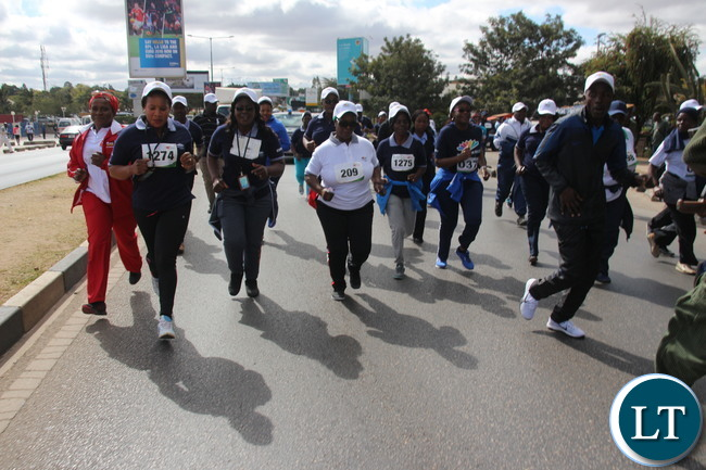 Zambia 1st lady Esterh Lungu gave a tough time her entourage by making them running during the race walk.