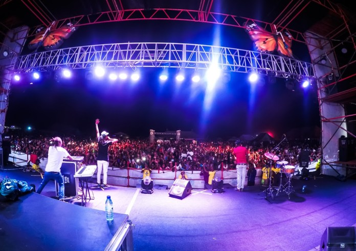Uhuru live on stage at the R&G Oktoberfest sponsored by Castle Lite.