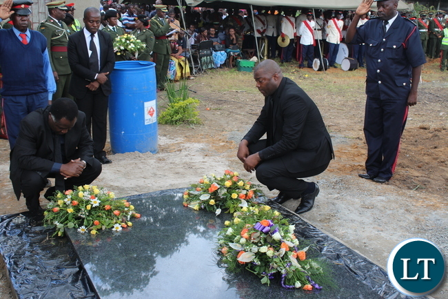 Northwestern Province Minister Richard Kapita and his Copperbelt counterpart Bowman Lusambo paying their last respects to late Ben Kapita