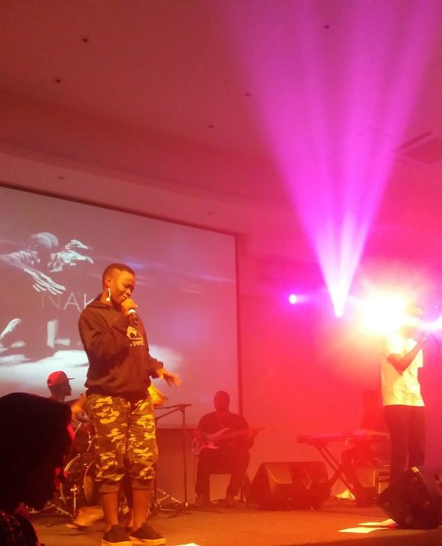 wezi performing Ninaka