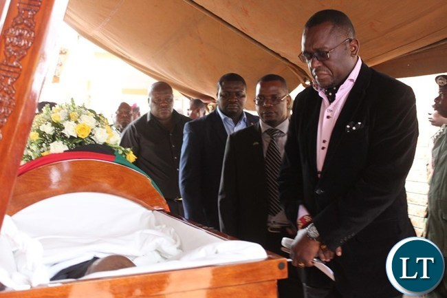 UPND Mazabuka MP, Garry Nkombo, pays his last respect to the late Mkhondo Lungu at Kacule farm in Lundazi