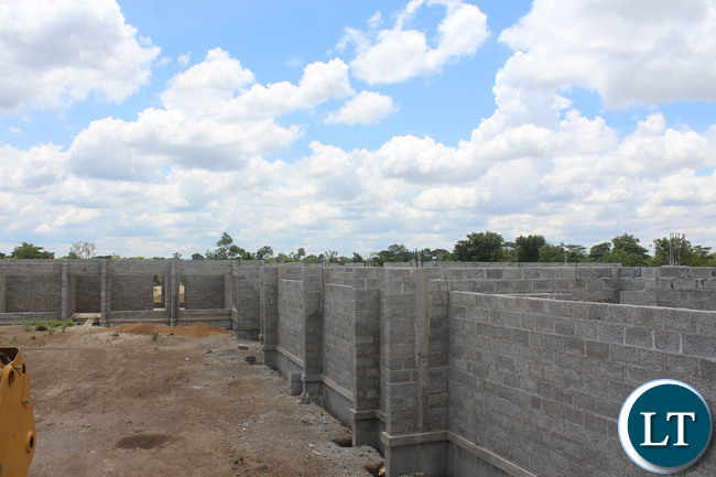 Construction of an modern police station in Mpongwe district has advanced with the project nearing completion. Government engaged Conquest Limited to construct an modern police station in Mpongwe district at a cost of approximately K12 million