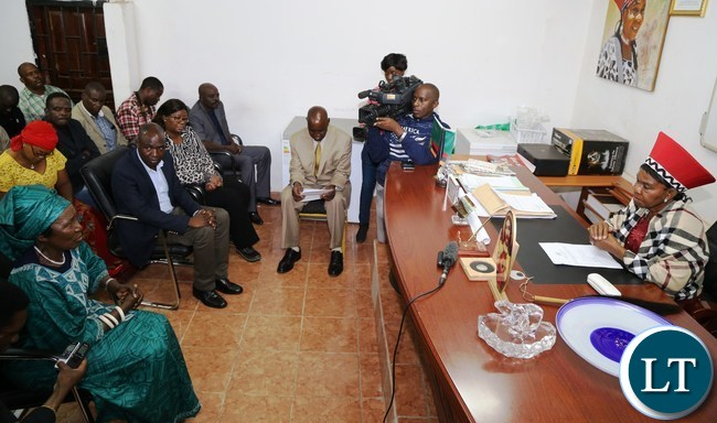 ,Vice President Mrs Inonge Mutukwa Wina being welcomed by Senior Chieftaniss Nkomeshya Mukamabo ll at her palace this was during the tour of fields affected with Army worms in Chongwe District