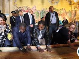 President Lungu with Commerce Minister Margaret Mwanakatwe and Foreign Affairs Minister Harry Kalaba at the Tomb where Jesus Christ was buried in Jerusalem