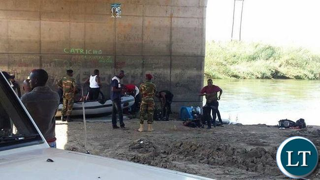 Zambia Army divers carrying out retrieval efforts