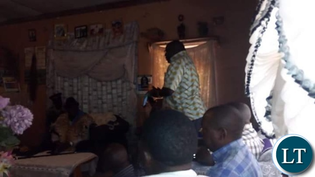 Kambwili apologising to Chief Moonze of Tonga Speaking people in Southern Province