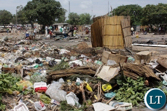Garbage heaps and temporal pit latrines here, are some of the factors which has led to the  demolition and closure of Kaoma-Kaoma Market make-shift structures as a preventive measure against the outbreak of Cholera in Mongu