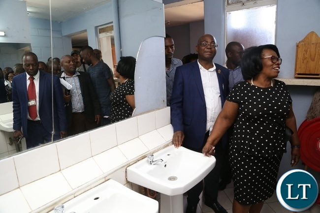 Minister of High Education Prof. Nkandu Luo inspecting hostels on how clean are now at UNZA during the tour of the facility