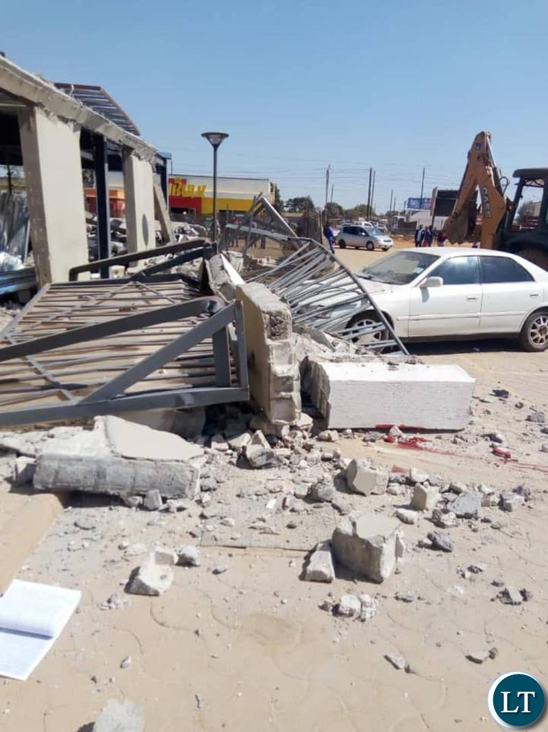 Zambia : Part of Woodlands Stadium collapses killing 3