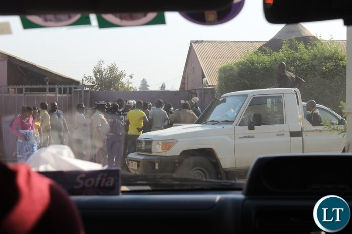 Police Block Suspect UPND Cardes From Disrupting The MMD Meeting In Monze