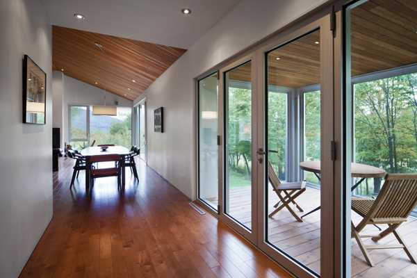 Modern House Design with Glass Enclosure Integrated into ...