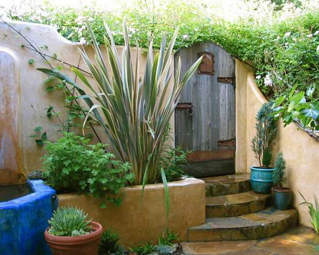 Mexican Style Garden Designs and Yard Landscaping Ideas on Mexican Backyard Decor  id=38194