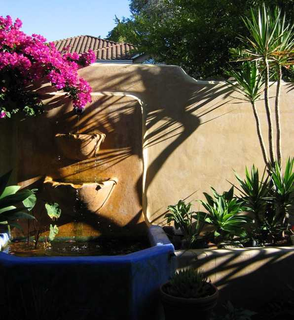 Mexican Style Garden Designs and Yard Landscaping Ideas on Mexican Backyard Decor id=15542