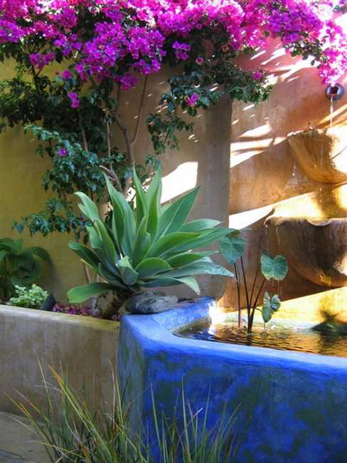 Mexican Style Garden Designs and Yard Landscaping Ideas on Mexican Patio Ideas  id=55980