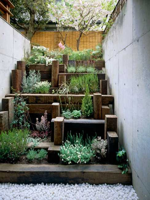 25 Beautiful Backyard Landscaping Ideas and Gorgeous ... on Tree Planting Ideas For Backyard id=13020