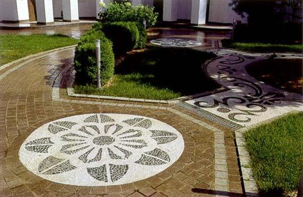 25 Unique Backyard Landscaping Ideas and Garden Path ... on Pebble Patio Ideas id=98116