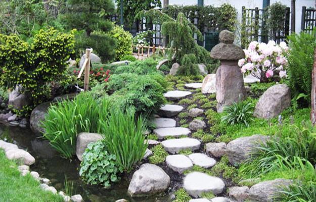 Beautiful Japanese Garden Design, Landscaping Ideas for ... on Backyard Japanese Garden Design Ideas id=98283