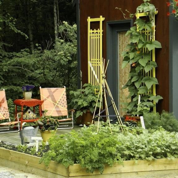 20 Raised Bed Garden Designs and Beautiful Backyard ... on Backyard Raised Garden Bed Ideas id=21463