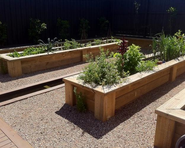 20 Raised Bed Garden Designs and Beautiful Backyard ... on Backyard Raised Garden Bed Ideas id=18086