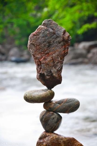 Balanced Rock Sculptures By Land Artist Michael Grab Inspiring Backyard Ideas
