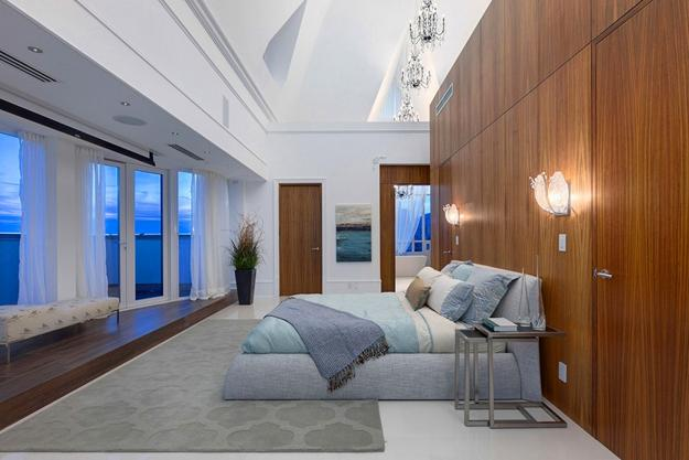 Luxurious Penthouse Shows Off Vaulted Ceiling Designs And