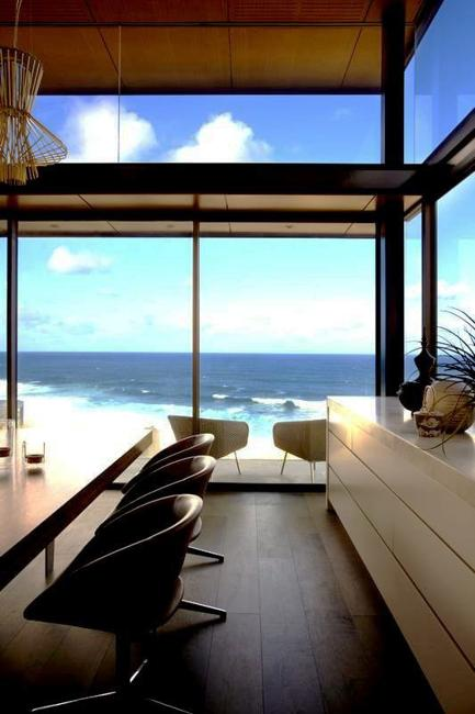 Modern House Design With Glass Walls Modern Interiors And