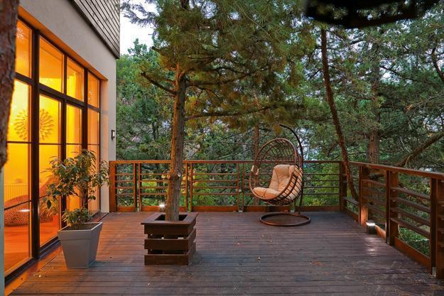 backyard deck designs inviting