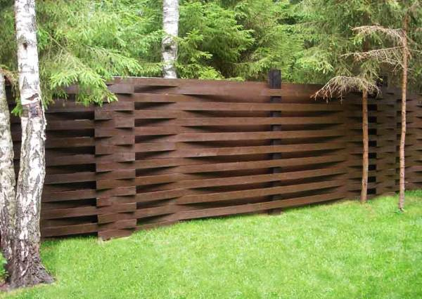 25 Beautiful Fence Designs to Improve and Accentuate Yard ... on Backyard Wooden Fence Decorating Ideas id=33579
