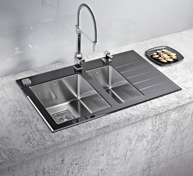 Stainless Steel Kitchen Sinks and Modern Faucets ...