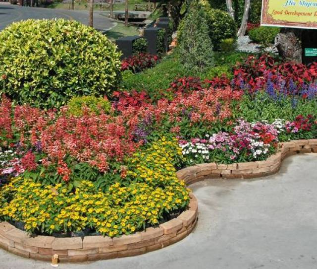 Great Ideas For Beautiful Garden Design And Yard Landscaping With Raised Bed Borders