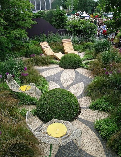 25 and 30 New Topiary Ideas, Great Decorative Plants to ... on Tree Planting Ideas For Backyard id=45421