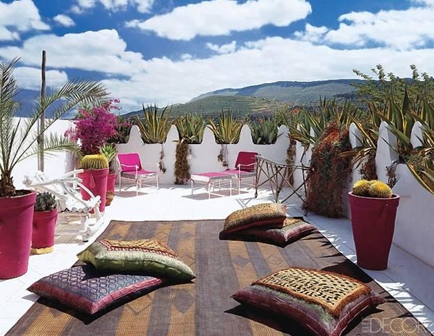 25 Modern Backyard Ideas to Create Beautiful Outdoor Rooms ... on Moroccan Backyard Design  id=48189