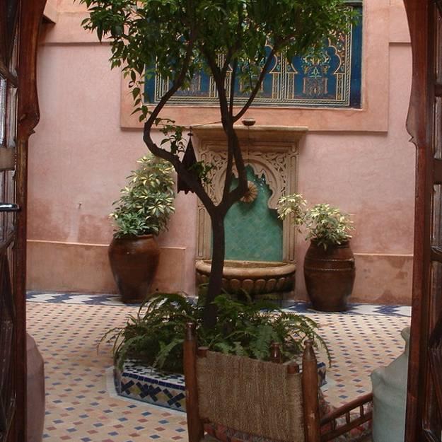 25 Modern Backyard Ideas to Create Beautiful Outdoor Rooms ... on Moroccan Backyard Design  id=79615