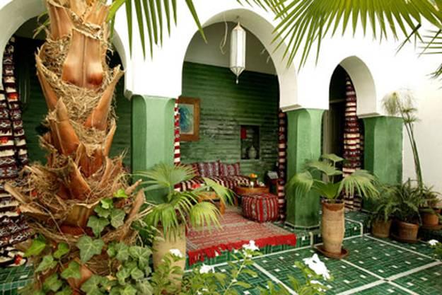 25 Modern Backyard Ideas to Create Beautiful Outdoor Rooms ... on Moroccan Backyard Design id=70523