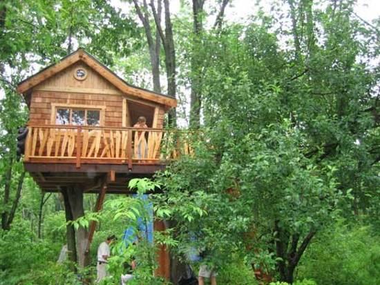 25 Tree House Designs for Kids, Backyard Ideas to Keep ... on Backyard House Ideas id=62857