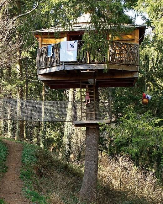25 Tree House Designs for Kids, Backyard Ideas to Keep ... on Backyard House Ideas id=33625