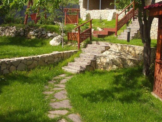 25 Beautiful Hill Landscaping Ideas and Terracing Inspirations on Hill Backyard Ideas id=86642