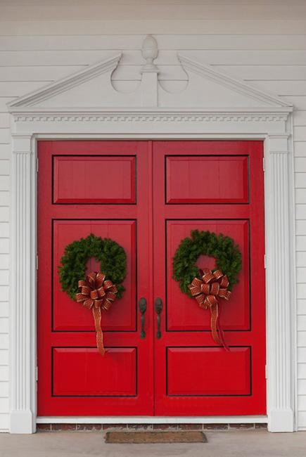 25 Beautiful Christmas Wreaths and Garlands  Winter Door Decoration     beautiful front door decorations  wreaths and garlands