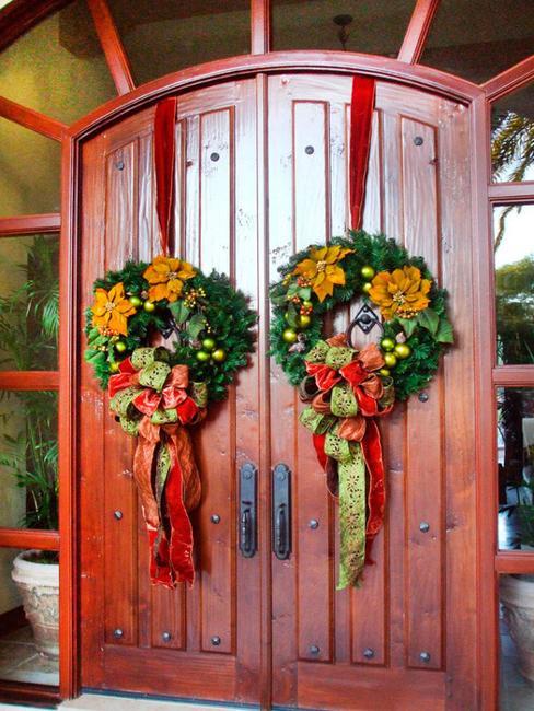 25 Beautiful Christmas Wreaths And Garlands Winter Door