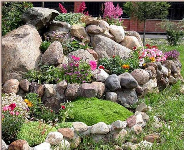 20 Blooming Rock Garden Design Ideas and Backyard ... on Small Garden Ideas With Rocks id=47769