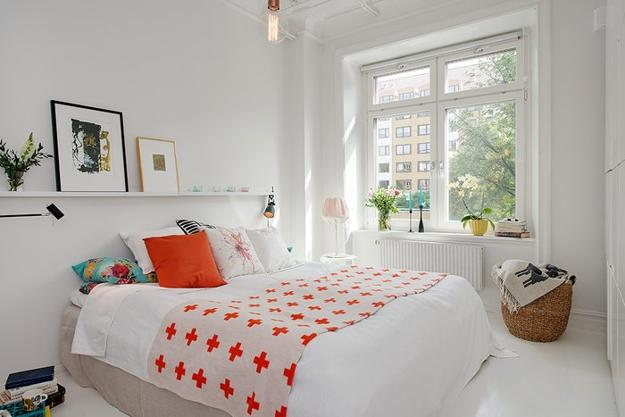 22 Small Bedroom Designs, Home Staging Tips to Maximize ... on Room Ideas For Small Rooms  id=95029