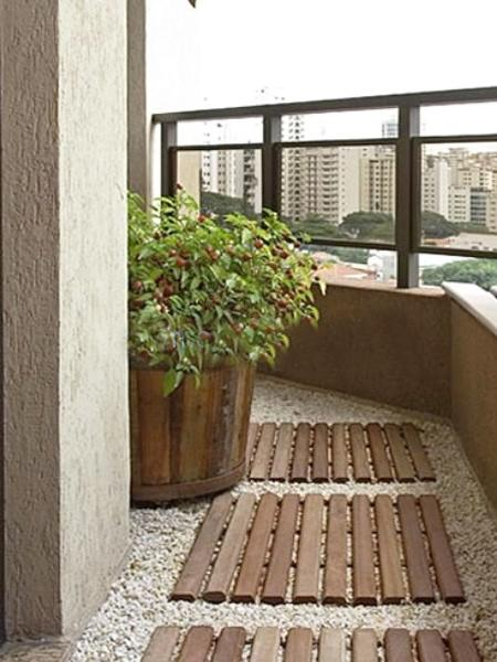 Modern Outdoor Flooring Ideas For Functional And Beautiful Balcony Designs