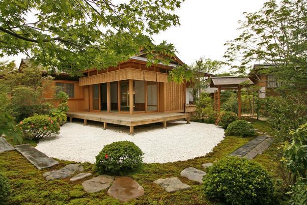 Beautiful Garden House Designs Adding Leaisure of Studio ... on Mansion Backyard Ideas id=11294