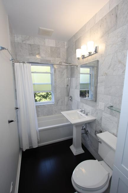 Small Bathroom Design Ideas and Home Staging Tips for ... on Bathroom Design In Small Space  id=95951
