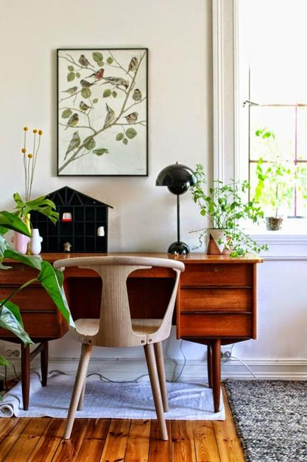 21 Modern Ideas to Brighten Up Small Office Designs